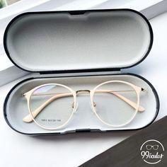 Glasses Frames For Girl, Womens Glasses Frames, Girls With Glasses, Cool Glasses, New Glasses, Glasses Trends, Lunette Style, Diy Organizer, Fashion Eye Glasses