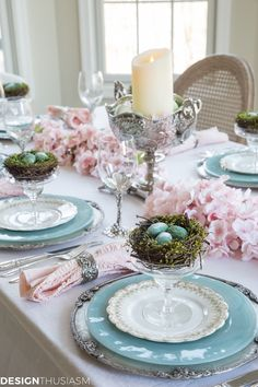 Cherry Blossom Branch Tablescape with Family Heirlooms Need ideas for a spring table setting? Find inspiration from this cherry blossom branch tablescape with family heirlooms and pretty pink blossoms. Easter Table Settings, Easter Table Decorations, Easter Decor, Setting Table, Easter Centerpiece, Spring Decorations, Tall Centerpiece, Diy Centerpieces, Decoration Ikea