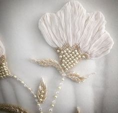 Design dresses couture embroidery ideas for 2019 - Stickerei Ideen Pearl Embroidery, Hand Embroidery Dress, Tambour Embroidery, Bead Embroidery Patterns, Couture Embroidery, Zardozi Embroidery, Embroidery Fashion, Embroidery Jewelry, Silk Ribbon Embroidery