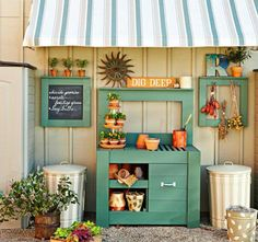 Potting Bench Ideas with Free Building Plans - Tuesday {ten This is the cutest work area! ( from Lowe's Creative Ideas )This is the cutest work area! ( from Lowe's Creative Ideas ) Potting Bench Plans, Potting Tables, Potting Sheds, Potting Soil, Outdoor Projects, Garden Projects, Potting Station, Lowes Creative, Garden Workshops