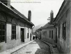 Honnan ered a 'Tabán' kifejezés? Old Pictures, Old Photos, Vintage Photos, Budapest Hungary, Beautiful Buildings, Byzantine, Homeland, Historical Photos, Tao