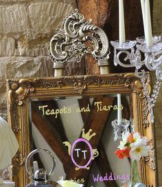 Table planner gold mirror on easel