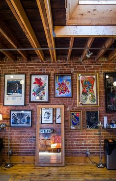 Under My Thumb's Homey Tattoo Studio — Creative Workspace Tour Tattoo Shop Decor, Tattoo Studio Interior, Wooden Staircases, Industrial Living, Cafe Design, Design Design, Interior Design, Style Vintage, Home And Deco