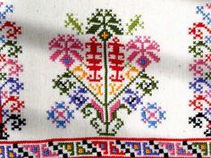 Cross Stitch Borders, Cross Stitching, Folk Embroidery, Diy And Crafts, Bohemian Rug, Bulgarian, Originals, Legends, Costumes