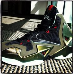 2014 cheap nike shoes for sale info collection off big discount.New nike roshe run,lebron james shoes,authentic jordans and nike foamposites 2014 online. Lebron 11, Nike Lebron, Lebron James, Image Nike, James Shoes, Nike Design, Swag Shoes, Sneaker Magazine, Site Nike