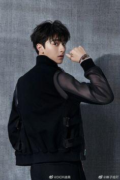 """"""" in black looks so good. Actors Male, Cute Actors, Asian Actors, Actors & Actresses, Cute Asian Guys, Asian Boys, Asian Men, Handsome Faces, Handsome Boys"""
