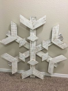 Large Pallet Snowflake by DownAtPapasShop on Etsy