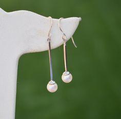 Real Gold Jewelry, Vintage Jewelry, Unique Jewelry, Etsy Earrings, Pearl Earrings, Drop Earrings, Rhinestone Choker, Shell Necklaces, Cultured Pearls