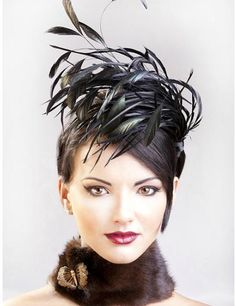 Hat, oh love the hat and the hairstyle, awesome look Fascinator Hats, Fascinators, Headpieces, Feather Hat, Feather Headpiece, Fancy Hats, Kentucky Derby Hats, Wearing A Hat, Headgear