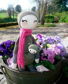 KIRA the kangaroo made by lupachiotta / crochet pattern by lalylala