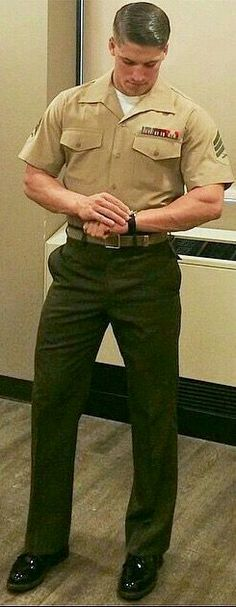 Just a selection of hot, hairy men with a preference for good short barbershop haircuts. Hot Army Men, Sexy Military Men, Hot Men, Military Police, Police Officer, Soldier Haircut, Hot Cops, Baseball Pants, Men In Uniform