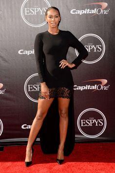 Keri Hilson showing off those legs!
