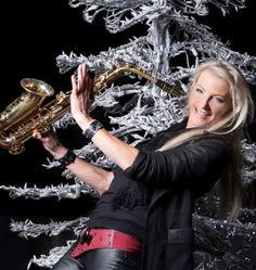 Maria Kofler Tirol Austria, Band, Concert, Fashion, Music, Moda, La Mode, Ribbon, Recital