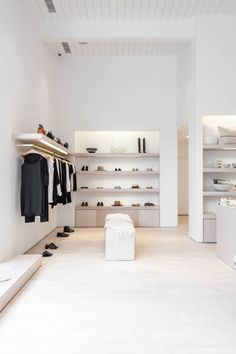 I've wanted to open a store in Northern California for as long as I can remember, so I'm very excited about our just-opened Palo Alto boutique.