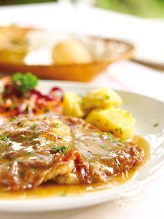 Escalope with ham and cheese - Per le donne multitasking indaffaratissime fra mille impegni ecco la veloce Piccatina al prosciutto e formaggio: gli invitati chiederanno il bis o il tris! #piccatina alprosciutto