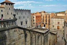 Plaza de la catedral en Girona medieval