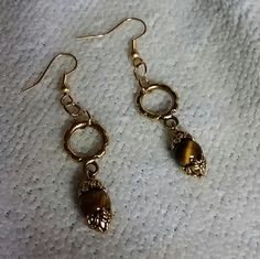 Gold tone Cats Eye Dangle by BSODesigns on Etsy