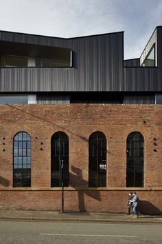192 Shoreham Street by Project Orange 192 Shoreham Street è un edificio vittoriano in mattoni industriale situato ai margini del Cultural Industries Quarter Conservation Area di Sheffield.