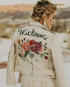 Personalized bridal jackets are the coolest new wedding fashion trend. Here, see examples of the chicest personalized bridal jackets—made from leather, denim, and more—here! Green Wedding Shoes, Wedding Colors, Wedding Trends, Wedding Styles, Wedding Ideas, Painted Leather Jacket, Diy Leather Jacket, Martha Stewart Weddings, Painting Leather