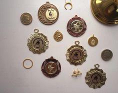 Gold For The Win #Hvisk #HviskStylist #Jewellery #Retro #Retrovibes #Wood #Stone #Rhodium #Gold #Diamonds #Pendant