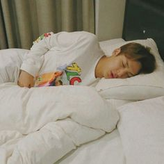 sleepy ♡ mingyu looking cuddly Seventeen Memes, Mingyu Seventeen, Seventeen Debut, Jeonghan, Woozi, Chanyeol, Kpop, Kim Min Gyu, Choi Hansol