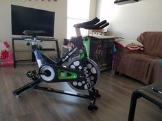 Spin BIkes: Marcy Club Revolution Bike Cycle Trainer for Cardio Exercise - Awesome bike! Love the look and feel of this bike. Open Water Swimming, Swimming Tips, Swimming Workouts, Indoor Cycling Bike, Cycling Bikes, Road Cycling, Spin Bike Workouts, Fun Workouts, Spin Bike For Home