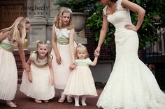 70 Ideas Wedding Photography Bridal Party Funny Flower Girls For 2019 Greek Wedding, Wedding With Kids, Sister Wedding, Gold Wedding, Elegant Wedding, Bridal Musings, Flower Girls, Flower Girl Dresses, Bridesmaid Outfit