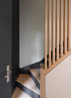 Home Stairs Design, Interior Stairs, Home Interior Design, Interior And Exterior, House Design, Staircase Storage, Loft Stairs, House Stairs, Modern Stair Railing