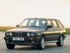 BMW Touring wallpapers - Free pictures of BMW Touring for your desktop. HD wallpaper for backgrounds BMW Touring car tuning BMW Touring and concept car BMW Touring wallpapers. Bmw E30 Touring, Tuning Bmw, Bavarian Motor Works, Bmw Wallpapers, Bmw Classic Cars, Bmw Parts, Bmw 3 Series, Retro Cars, Classic Cars