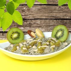 Crunchy Brazil Nut Pudding with protein-rich chia seeds, fruity kiwi sauce, golden Lucuma and mildly sweet Mesquite powder. A dessert to fall in love!