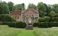 holdhard: Reddish House, Broad Chalke, Wiltshire, former home of Cecil Beaton