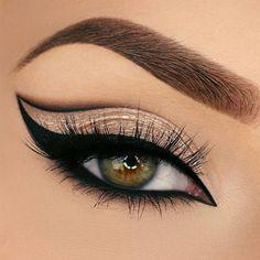 Sexy Eye Makeup, Makeup Eye Looks, Beautiful Eye Makeup, Eye Makeup Art, Eye Makeup Tips, Eyeshadow Makeup, Eyeshadow Palette, Blue Eyeshadow, Eyeshadows
