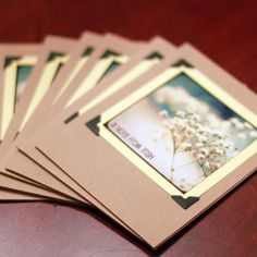 Great idea for homemade photo cards, of course I never personally make my homemade cards. :D