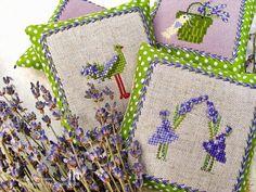 Lavender sachets Cross stitching Lavendel Beutel Säckchen Kreuzstich