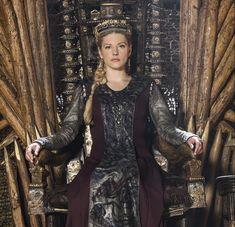 "'Vikings' Recap: Episode ""The Ice Maiden"" - So Many Shows! Ragnar Lothbrok, Lagertha, Danila Kozlovsky, Best Cartoons Ever, Katheryn Winnick, Shield Maiden, History Channel, Angel Of Death, Funeral"