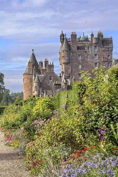 Glamis Castle, Angus, Scotland  https://www.facebook.com/WonderfulCastlesInTheWorld
