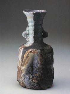 Shiho Kanzaki (1942 - ) shigaraki vase