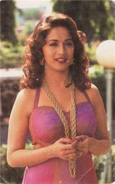 Bollywood Actress Hot Photos, Indian Bollywood Actress, Bollywood Girls, Vintage Bollywood, Beautiful Bollywood Actress, Bollywood Fashion, Actress Pics, Bollywood Saree, Beautiful Girl Indian