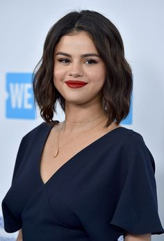 Selena Gomez Trades In Her Bob for a Freshly Shaved Undercut Selena Gomez Fashion, Selena Gomez Photoshoot, Selena Gomez Cute, Selena Gomez Pictures, Selena Gomez Style, Celebrity Bobs, Celebrity Beauty, Undercut Hairstyles, Trendy Hairstyles