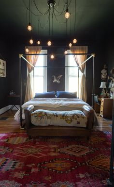 "DIY light inspiration from - An Antique Dealer's ""Nostalgic Bohemian"" Nashville Bungalow — House Tour"