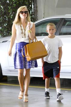 Reese Witherspoon Los Angeles July 23 2013 Reese Witherspoon star Fendi  Elite Leather Shopper in Honey Buy It! star Chloe Bi-Colour Sandals Buy It!  star ... bb060f1526b