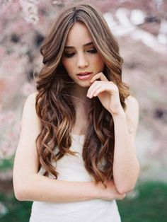 Wedding Hair Inspiration: 12 Ways to wear your Long Hair Down. Photo by Tec Petaja, hair by Jordan Byers