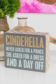 Francesca's Glitter Cinderella Box Sign