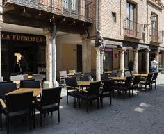 Fotografía del exterior de La Fuencisla, en la Calle Mayor de Alcalá de Henares