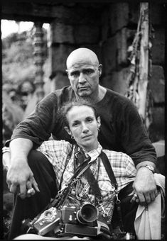 camerasinthemedia: Mary Ellen Mark self portrait with Marlon Brando on the set of Apocalypse Now, with, by the looks of it, at least one Leica and two other cameras. Cuadros de fotos hacer Very good movie Mary Ellen Mark, Marlon Brando, White Photography, Portrait Photography, Leica Photography, Apocalypse Now, Photo Star, Famous Photographers, Advertising Photography
