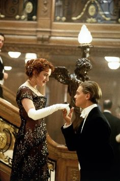 The 100 Most Iconic Dresses of All Time Leonardo Di Caprio & Kate Winslet in Titanic Titanic Dress, Titanic Le Film, Titanic Photos, Titanic Movie Scenes, Kate Titanic, Scenes From Movies, Titanic Kate Winslet, Titanic Ship, Titanic Leonardo Dicaprio