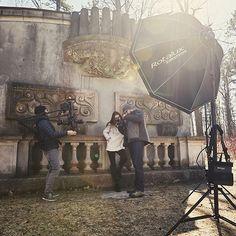 Because we all need a little #lensflare in our lives... w/ @jvlphoto @artsandrec   #outdoors #shotoncanon @elinchrom_ltd #elb500ttl #behindthescenes #people #environmentalportrait