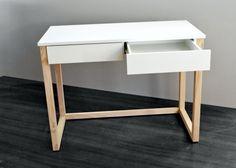 meble - domowe biuro - biurka-Biurko z 2 szufladami, nogi drewniane 100x50x75w
