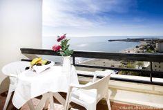 El Hotel La Barracuda cuenta con 234 amplias y luminosas habitaciones, todas exteriores con terraza y vistas al mar.