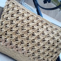 How to Crochet: Textured Wave Stitch Floral Patterned Sac Mesh Making This pin was discovered by mot – Artofit Crochet amazing bag in 1 hour Beautiful and sturdy crochet pattern for this large and functional handbag in 2 sizes! Free Crochet Bag, Crochet Tote, Crochet Handbags, Crochet Purses, Easy Crochet, Crochet Stitches, Knit Crochet, Crochet Patterns, Diy Crafts Love